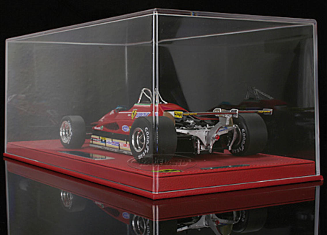 Ferrari 126 C2 V6 Turbo F1 GP USA West Long Beach 1982 Gilles Villeneuve mit Vitrine Bild 2